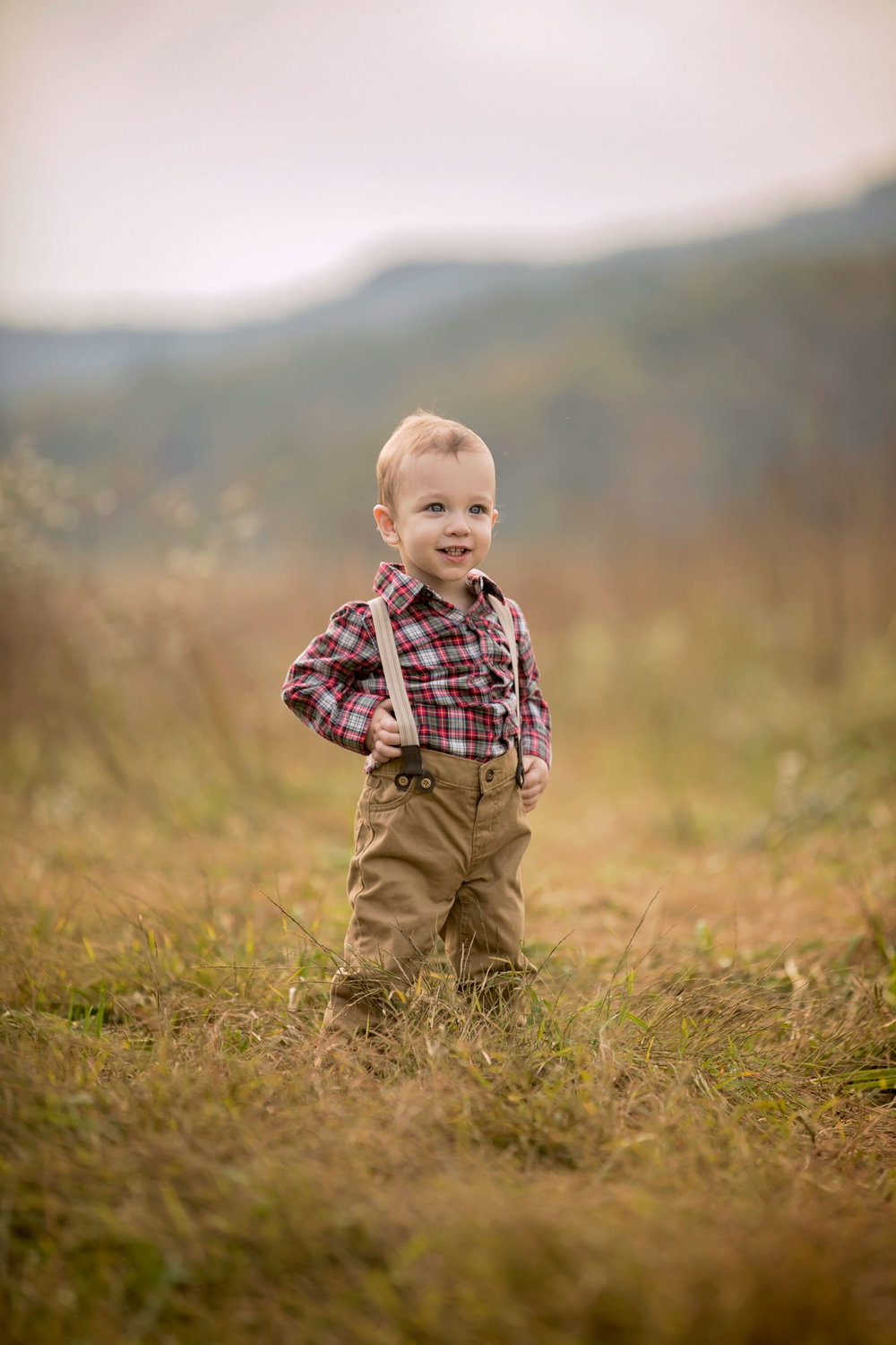 gatlinburg-photographer-cades-cove-child-picture.jpg