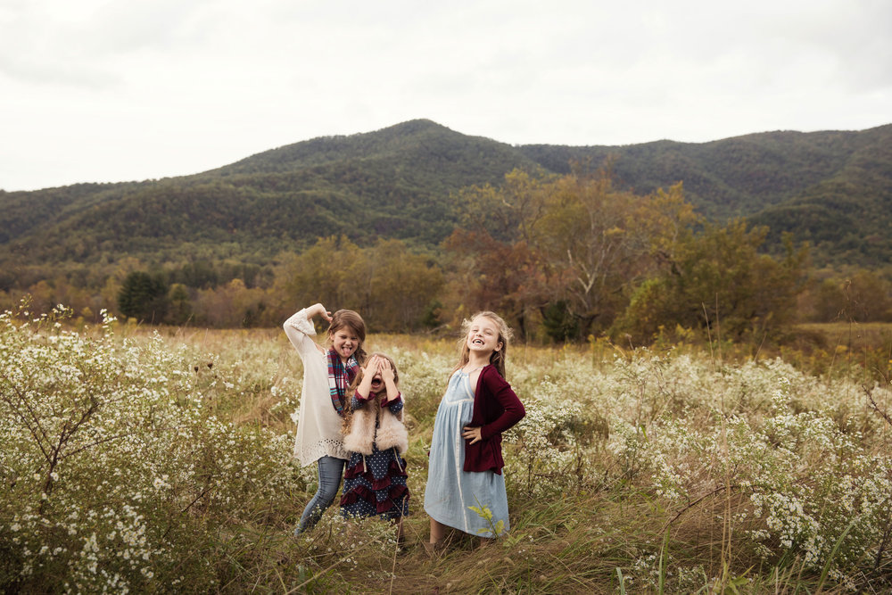gatlinburg-photographer-cades-cove-family-session.jpg