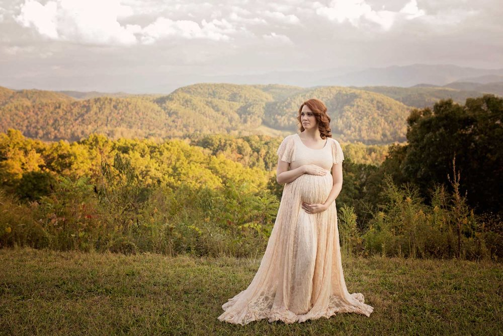 gatlinburg-maternity-photographer-lace-dress.jpg