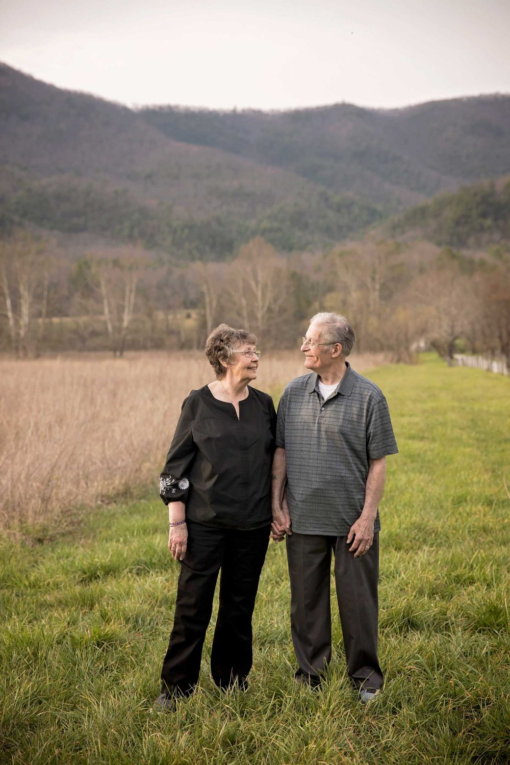 gatlinburg-tn-photogbraphers-60th-anniversary-couple.jpg