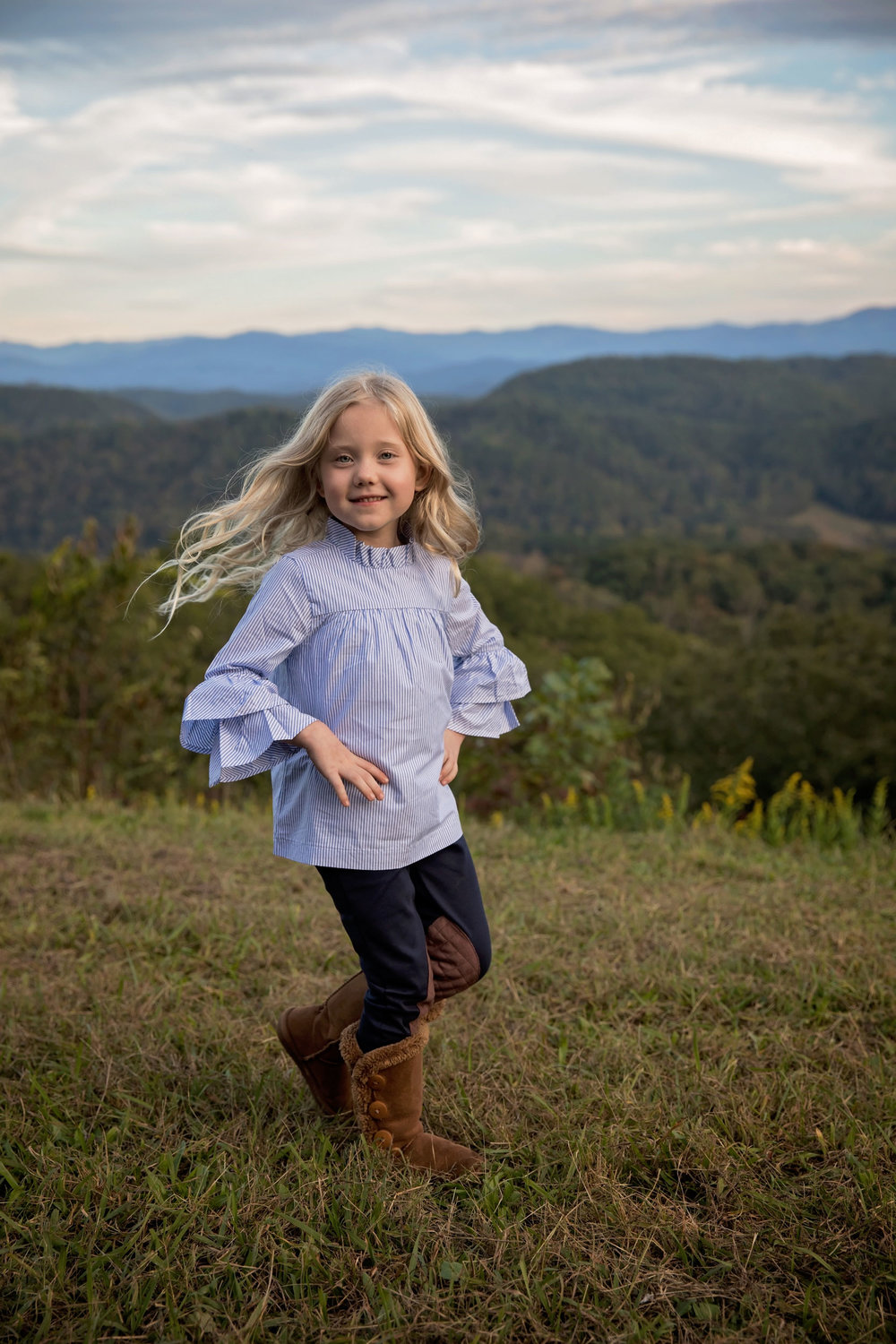 gatlinburg-family-photographer-child-spinning.jpg