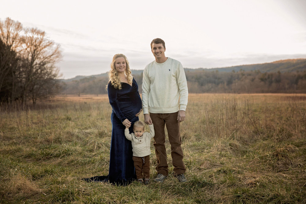 gatlinburg-photographers-maternity-in-cades-cove.jpg