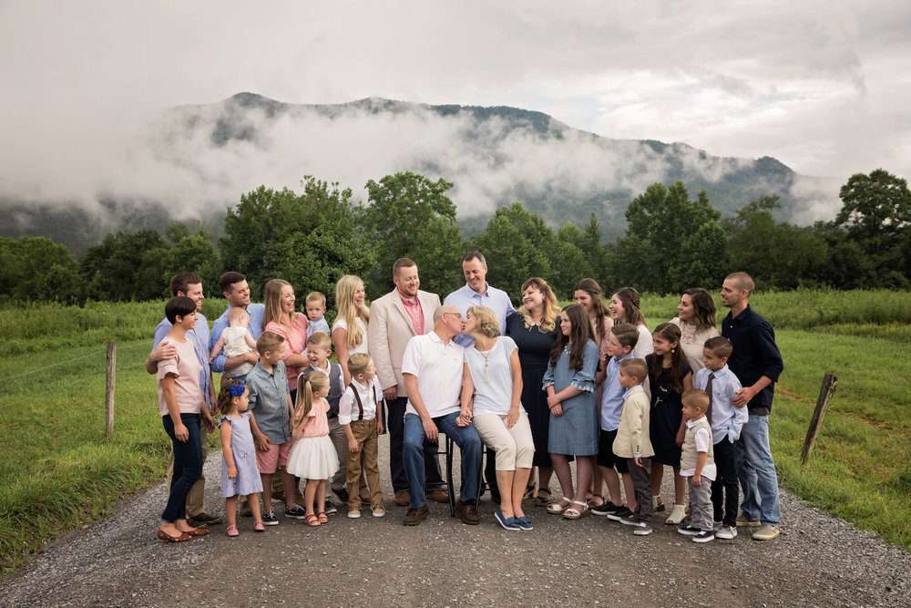 Family-photographers-gatlinburg-and-pigeon-forge-tn.jpg