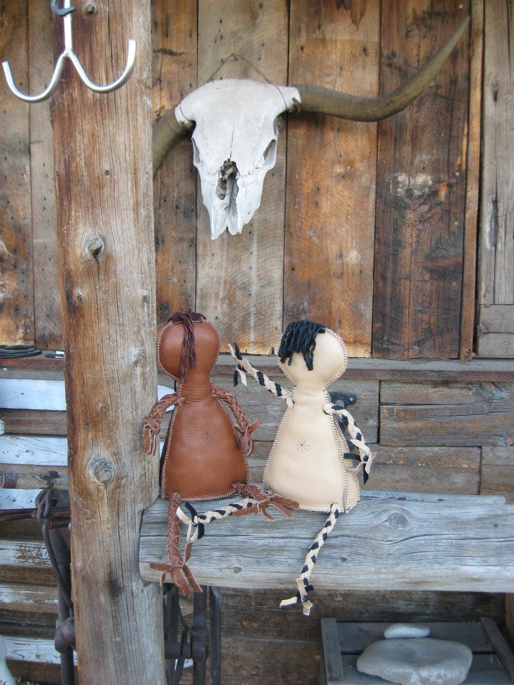 leather_dolls