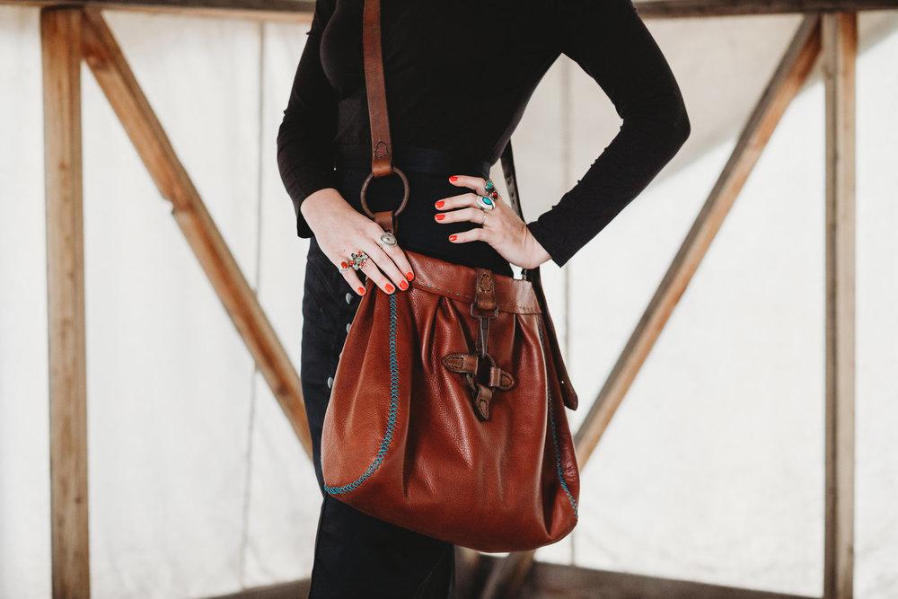 brown_crossbody_leather_bag.jpg