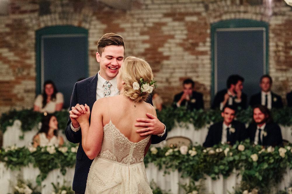 1085-CK-Photo-Friesen-wedding.jpg