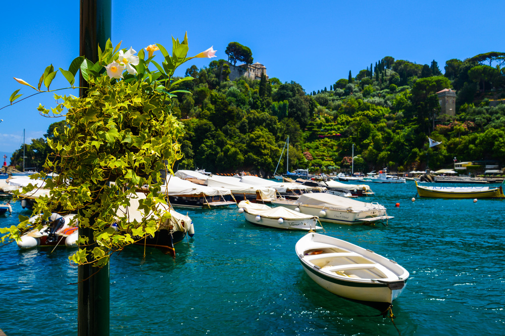 Finally after a long entertaining walk I got to the stunning PORTOFINO, pictures can't even portray the magic that this place has.