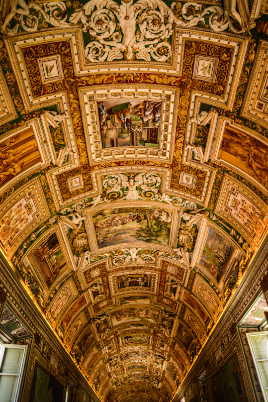 It has famous cultural sites such as St. Peter´s Basilica, the Sistine Chapel and the Vatican Museums, where they feature some of the world´s most famous paintings and sculptures.
