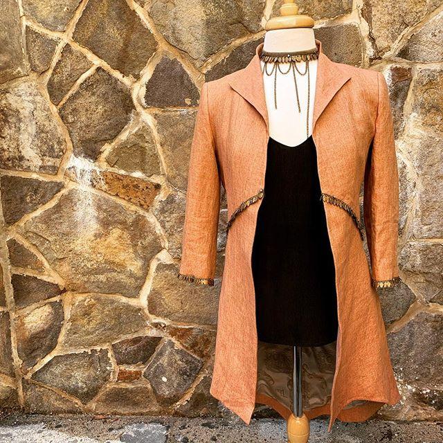 B I T T E R  S W E E T . . . #tbalife #madeinspain #coral #ladiesfashion #style #fashion #linen #detail #middleburg #virginia