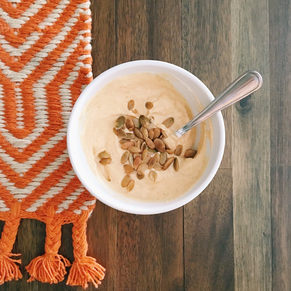 What do I do with my leftover pumpkin? Pumpkin Spice Greek Yogurt | ashleyjoanna.com
