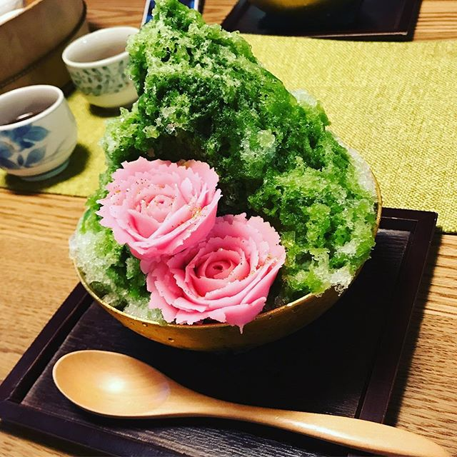 初めてこういうかき氷食べたけど美味かった! #岐阜#緑水庵#かき氷#和氷 #商品名忘れた#笑