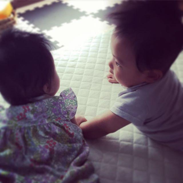 見つめ合う2人♡#一ヶ月ぶり #同級生 #baby #5ヶ月 #親バカ部
