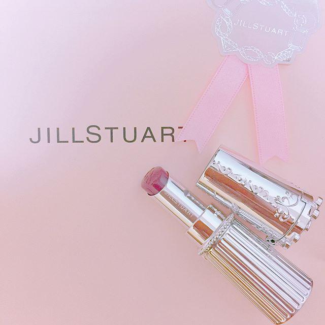 ゆいちゃんにもらった誕生日プレゼント☺︎ センス抜群💓 しかもゆいちゃんが選んだコスメ💄とか嬉しすぎる😍  #birthdaypresent #jillstuart #JILLSTUART#リップ#lipblossom  #ありがとう♡ #大切に使うね♡