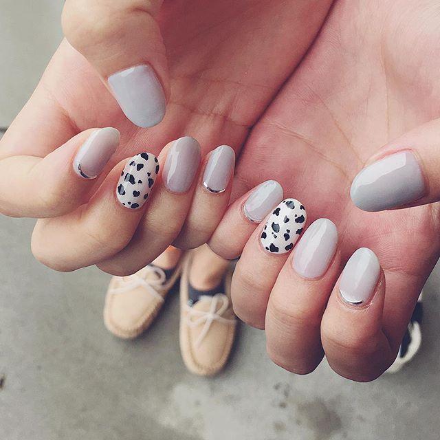 グレーとダルメシアン🃏  #ダルメシアンネイル  #nails #nailsalon #nailart #グレー #naildesing #美甲 #colors #ネイルアート #art #ネイルサロン #ネイルデザイン #instagood #トレンドネイル  #fashion #シンプルネイル #like4like  #instnails #instnail
