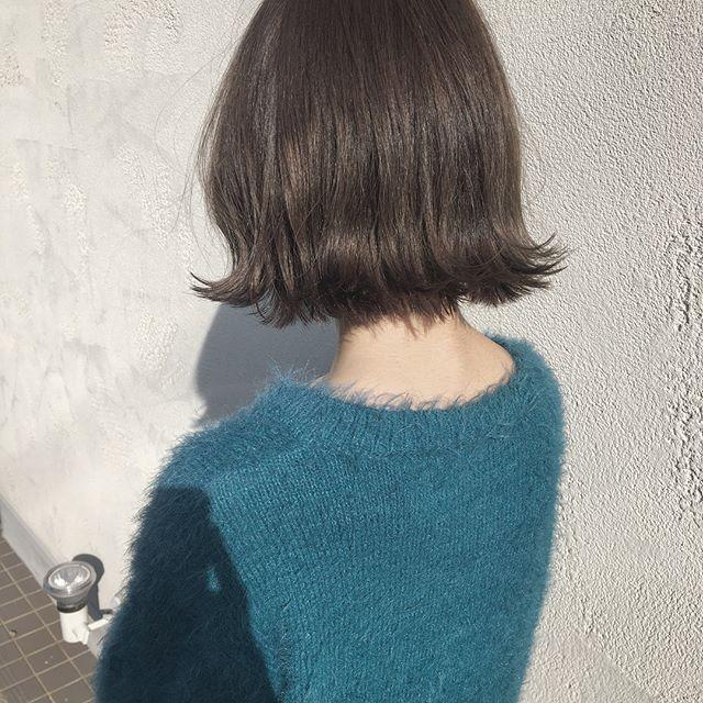 ありっなー✨いつもハイトーンカラーをオーダーありがとう🙏🏻 勉強なります💋 #calme#hairdrsser#hairsalon#haircolor#diyhair #美容院#美容師#サロンワーク#グレージュ#ハイトーンカラー #カルム#愛知#小牧市#春日井