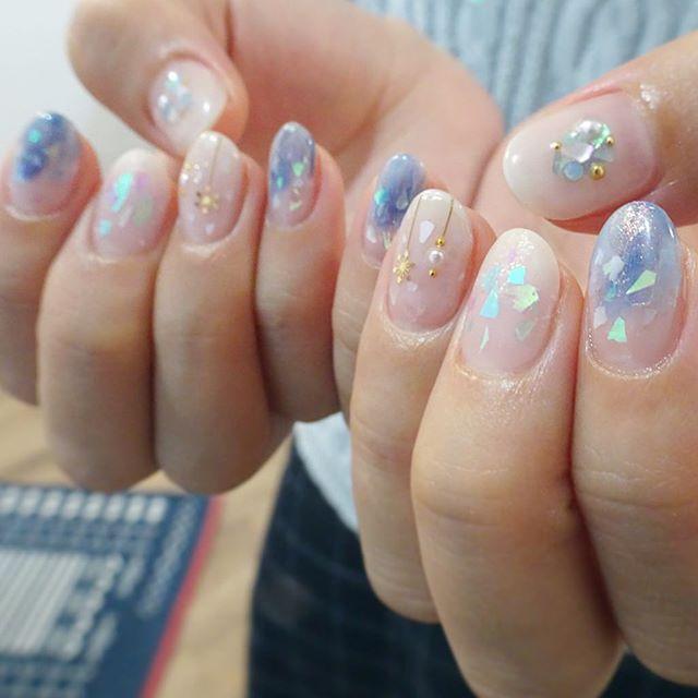 冬っぽく青色系で可愛いいネイル☃️💞 お任せありがとう🌲✨ @amhsgw  #nails #nailsalon #nailart #ニュアンスネイル #naildesing #美甲 #colors #ネイルアート #art #ネイルサロン #ネイルデザイン #instagood #fashion #個性派ネイル #like4like #冬ネイル#instnails #instnail #ニュアンスネイル #個性派#winter #snow #マットネイル