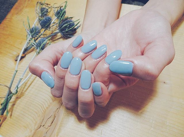 #ワンカラー #シンプル  オリジナルブルーグレー ☄☄☄☄☄☄☄☄ #nails #nailstagram #ネイル #ネイルデザイン #シンプルネイル #冬ネイル #nailart #flower #美甲 #ネイルサロン #simple #colors #冬カラー #nailatelier323