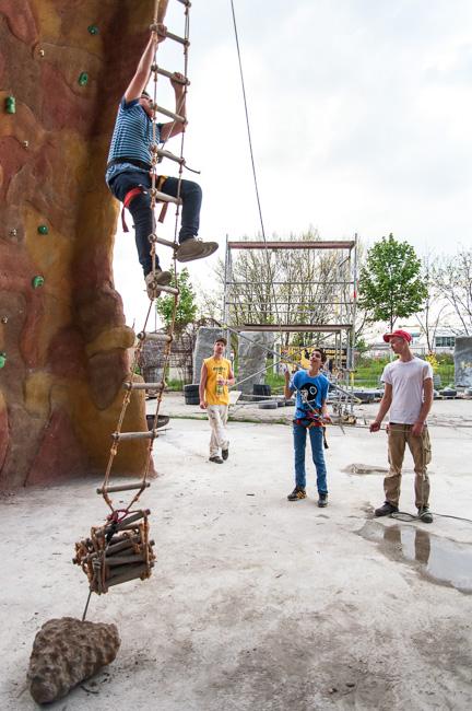 Schüler der Sachsendorfer Oberschule bei Jens Brand Felsenbau