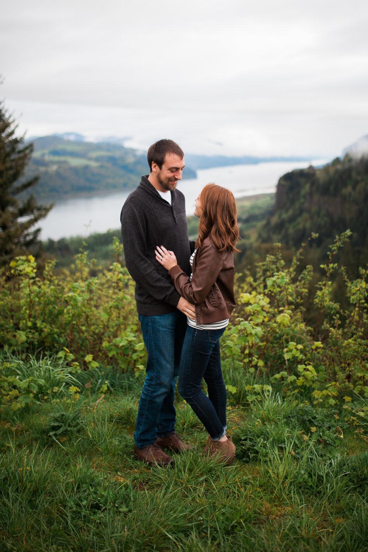 Portland-Oregon-Engagement-Jen-Dederich-Photography_002.jpg