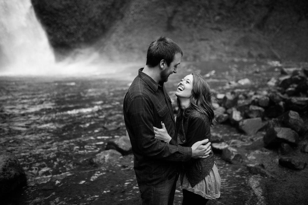 Portland-Oregon-Engagement-Jen-Dederich-Photography_023.jpg