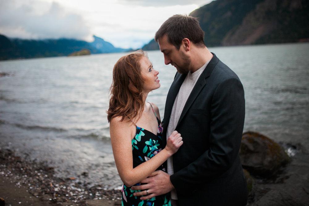 Portland-Oregon-Engagement-Jen-Dederich-Photography_030.jpg