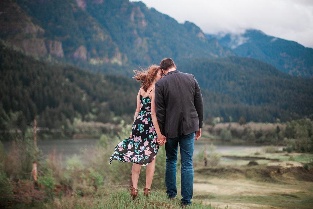 Portland-Oregon-Engagement-Jen-Dederich-Photography_043.jpg