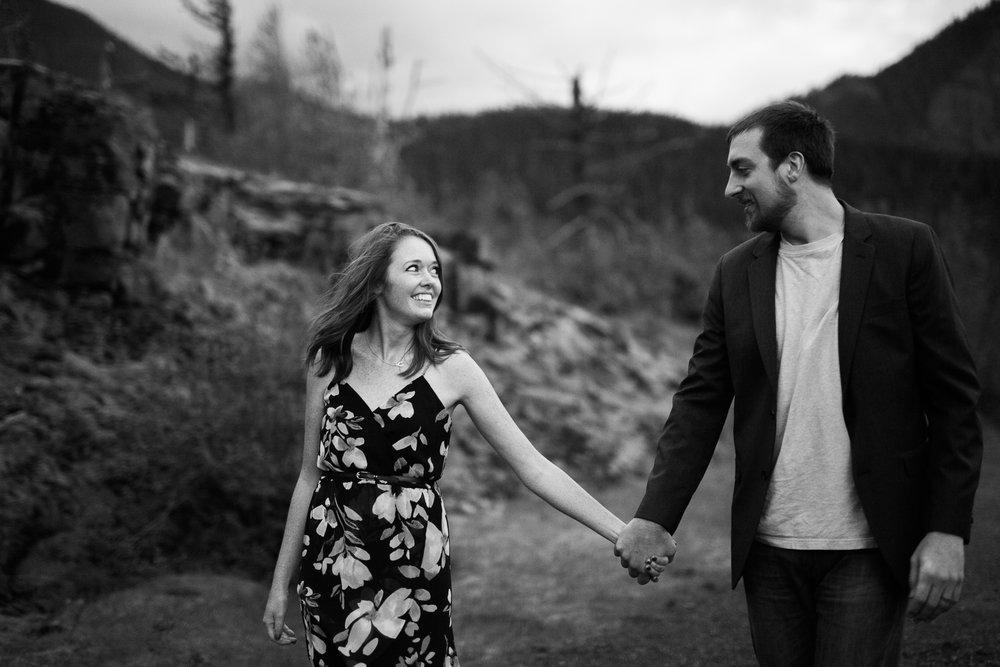 Portland-Oregon-Engagement-Jen-Dederich-Photography_047.jpg