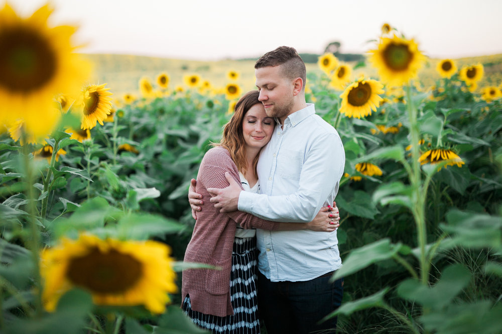 Pope-Farms-Sunflower-Engagement-Session-Madison-Wisconsin_004.jpg