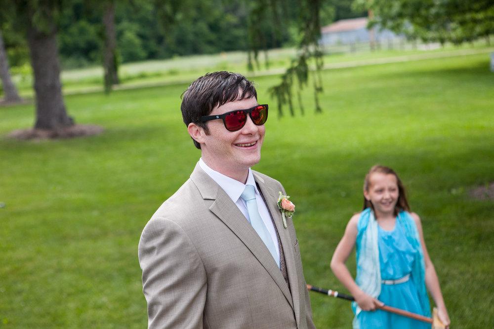 Sugarland-Wisconsin-barn-summer-wedding_045.jpg