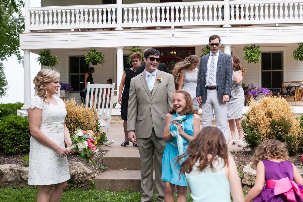 Sugarland-Wisconsin-barn-summer-wedding_046.jpg