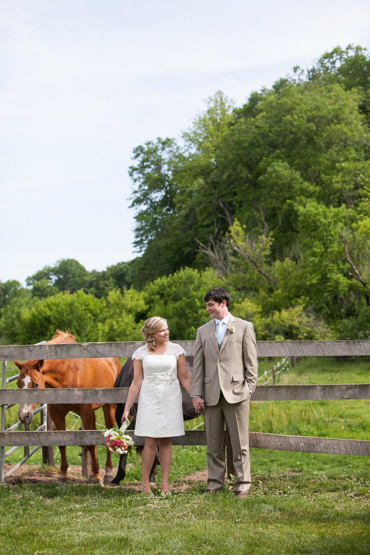 Sugarland-Wisconsin-barn-summer-wedding_063.jpg