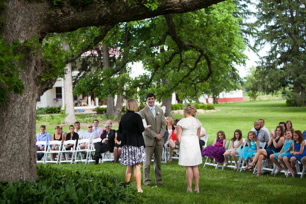 Sugarland-Wisconsin-barn-summer-wedding_076.jpg