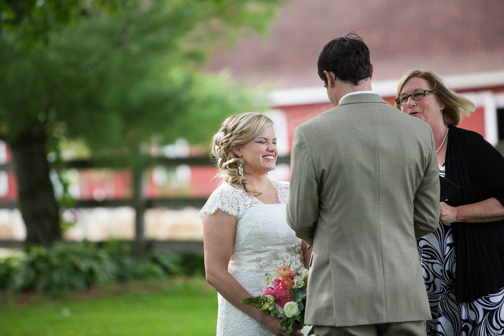 Sugarland-Wisconsin-barn-summer-wedding_080.jpg