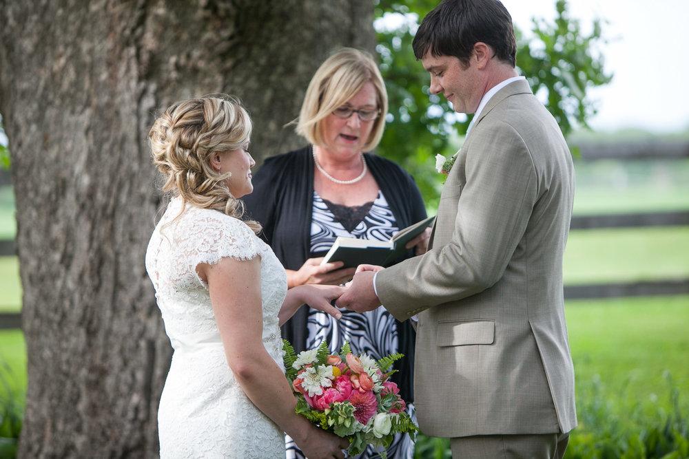 Sugarland-Wisconsin-barn-summer-wedding_081.jpg