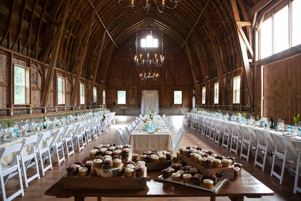 Sugarland-Wisconsin-barn-summer-wedding_092.jpg