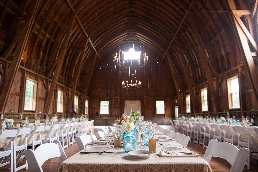 Sugarland-Wisconsin-barn-summer-wedding_097.jpg