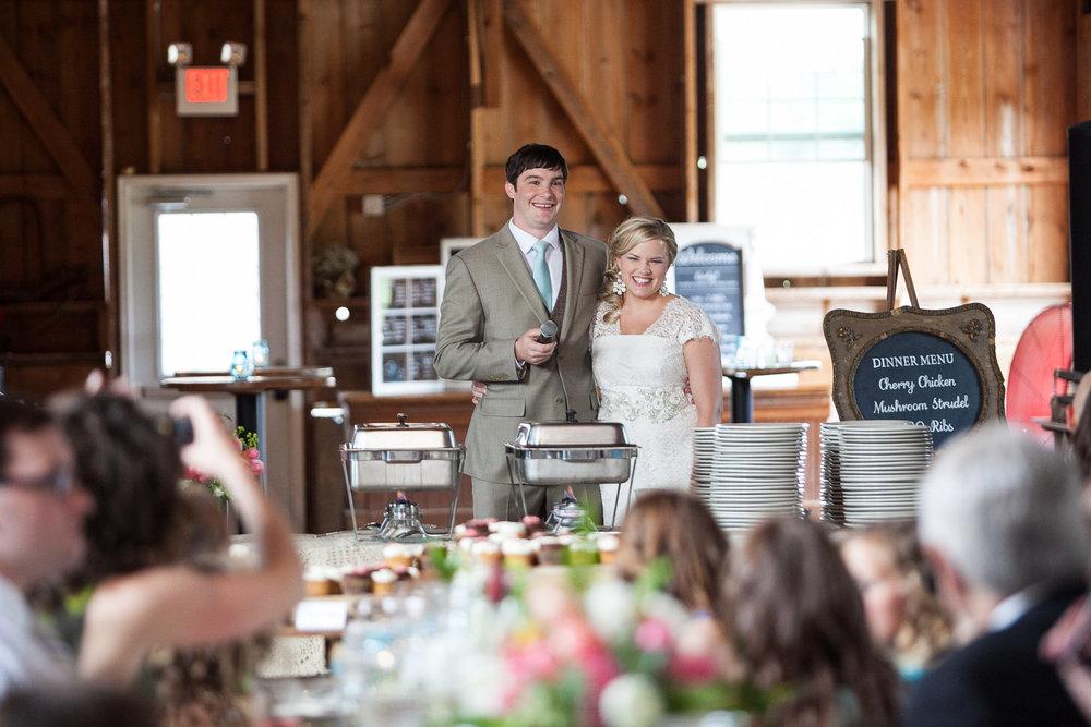 Sugarland-Wisconsin-barn-summer-wedding_118.jpg