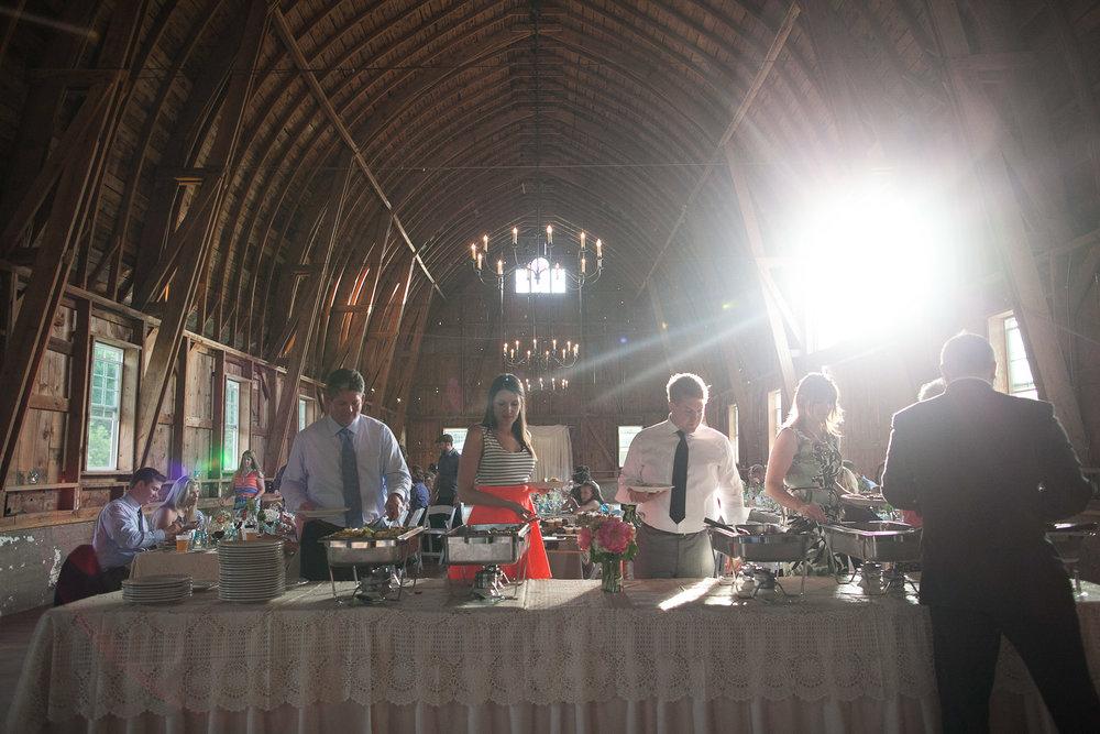 Sugarland-Wisconsin-barn-summer-wedding_125.jpg