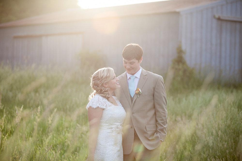 Sugarland-Wisconsin-barn-summer-wedding_130.jpg
