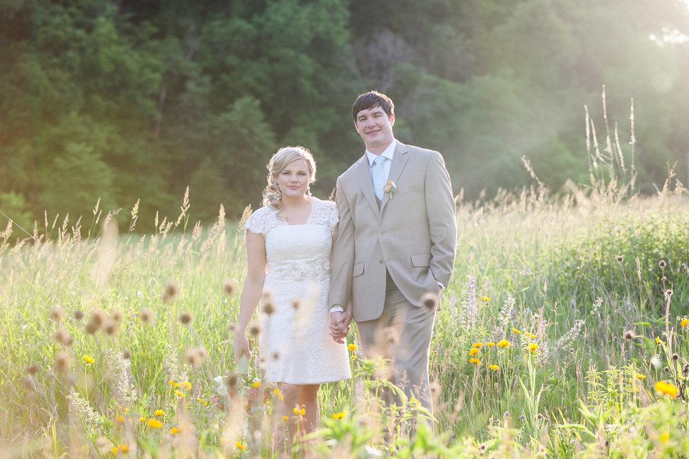 Sugarland-Wisconsin-barn-summer-wedding_133.jpg