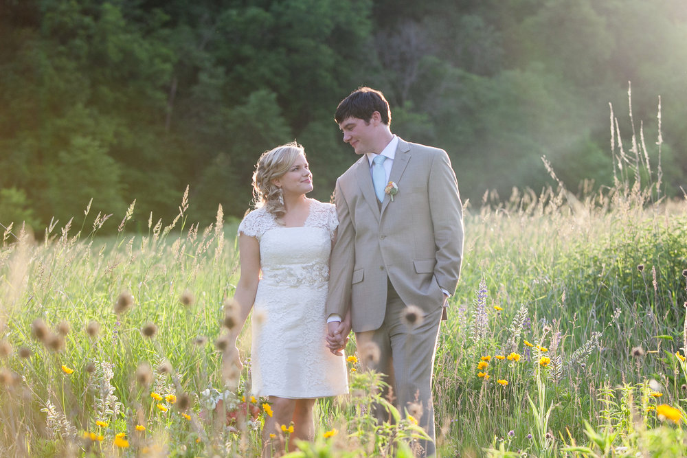 Sugarland-Wisconsin-barn-summer-wedding_134.jpg