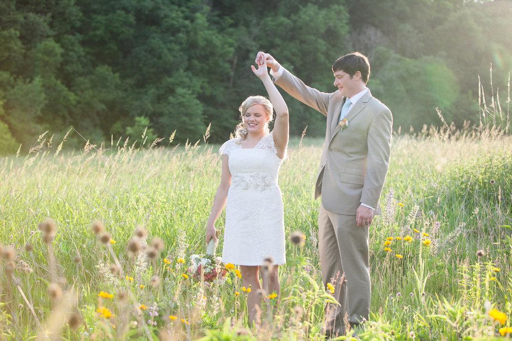 Sugarland-Wisconsin-barn-summer-wedding_135.jpg