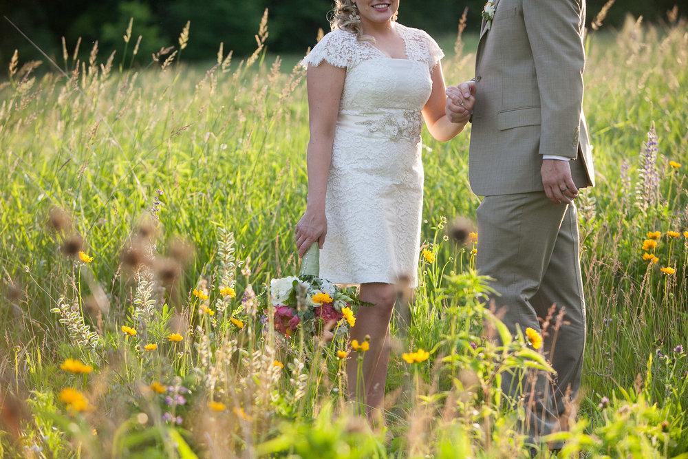 Sugarland-Wisconsin-barn-summer-wedding_138.jpg
