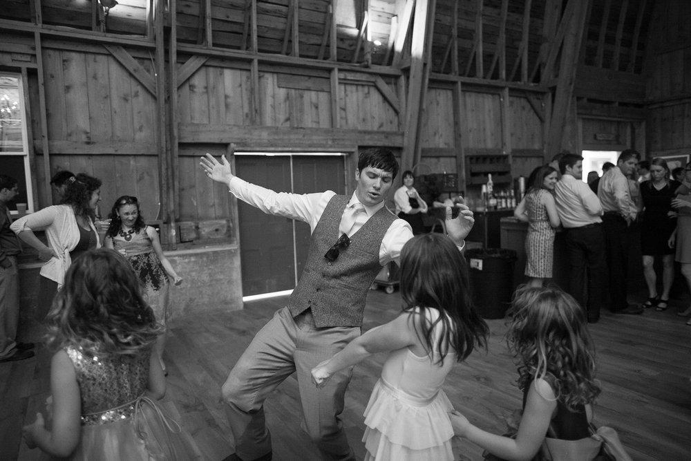 Sugarland-Wisconsin-barn-summer-wedding_152.jpg