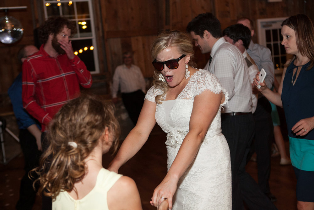 Sugarland-Wisconsin-barn-summer-wedding_153.jpg