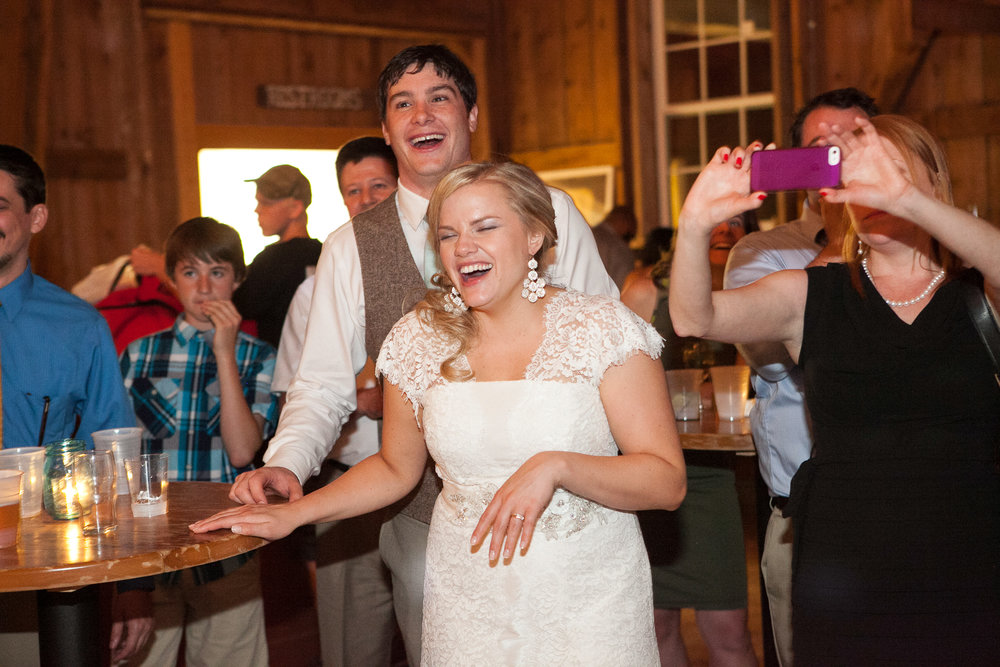 Sugarland-Wisconsin-barn-summer-wedding_156.jpg