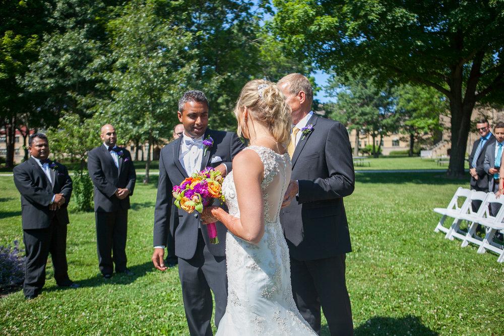 Dekoven-Center-Wisconsin-Indian-Fusion-Wedding_104.jpg