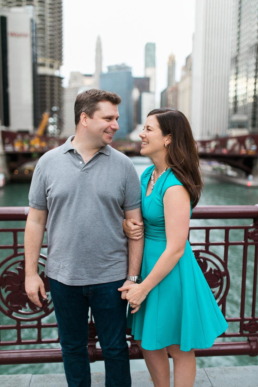 Downtown-Chicago-Engagement-Session-Jen-Dederich_018.jpg