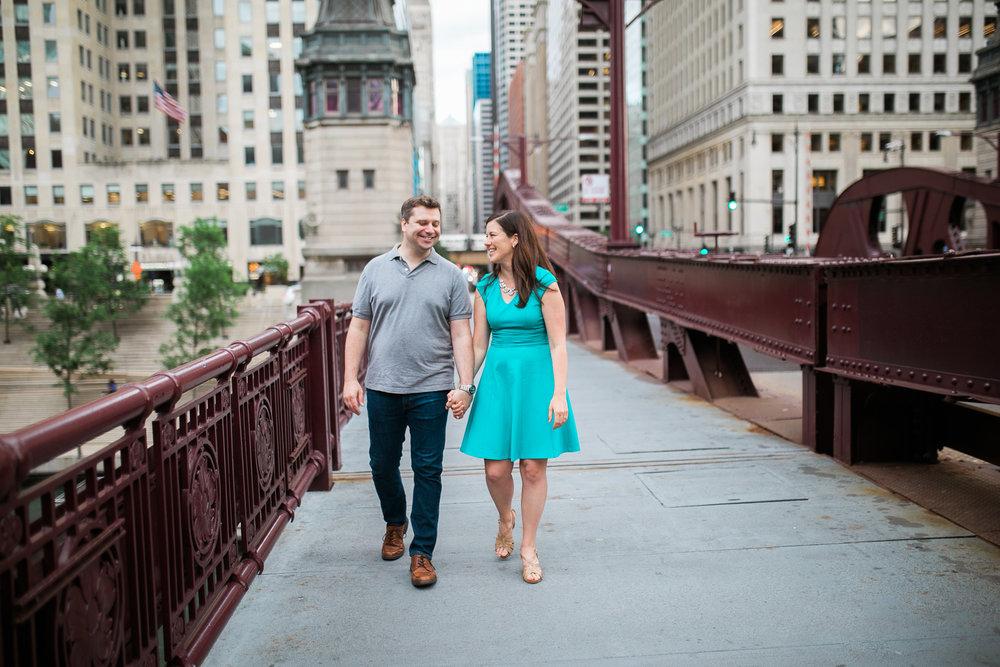Downtown-Chicago-Engagement-Session-Jen-Dederich_022.jpg