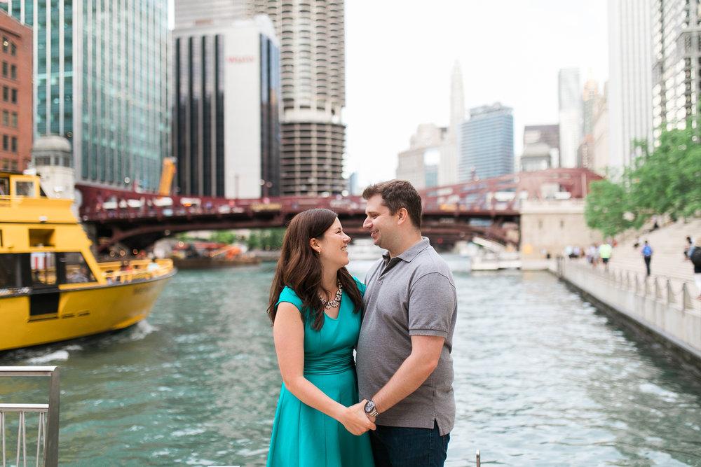 Downtown-Chicago-Engagement-Session-Jen-Dederich_028.jpg